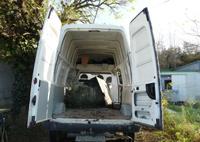nous avons des véhicules adaptés pour les déchets rencontrés, maillon de la chaine du réemploi, nous pouvons donner aux associations concernées