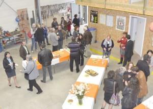 L'association présente son matériel de travail, son stockage, le public est venu nombreux pour ce moment convivial